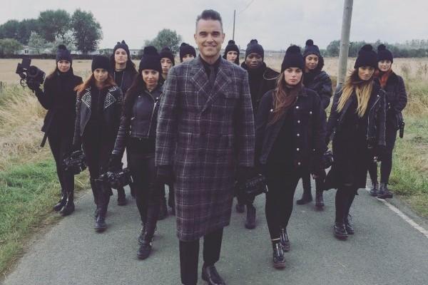 "Robbie Williams estrena ""Love my life"""