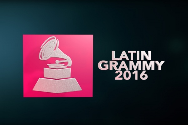 Juan Gabriel, triunfa en entrega de Grammy Latino