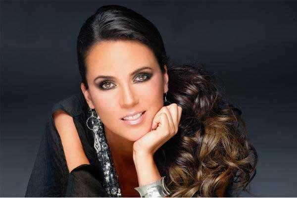 """Edith Márquez estrena """"Emociones Deluxe"""""""