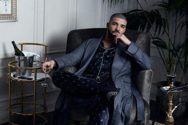 Drake encabeza listas en iTunes 2016
