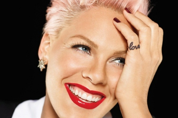 "Pink estrena ""Beautiful trauma"""