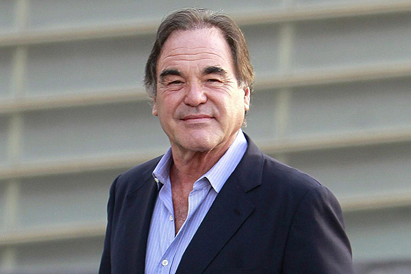 Oliver Stone hará 'White Lies'
