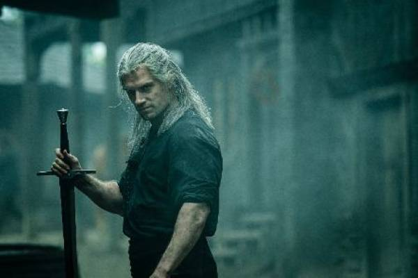 Henry Cavill llega con The Witcher